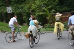 Seersucker Social riders arrive at Hillwood Estate